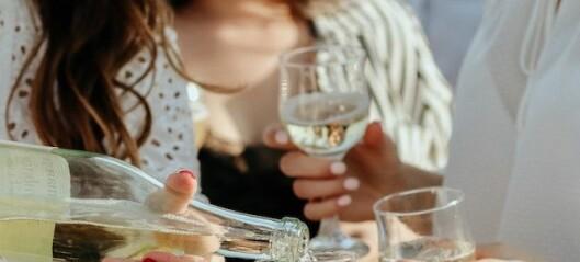 Ska jag avhålla mig från alkohol medan vi försöker få barn?